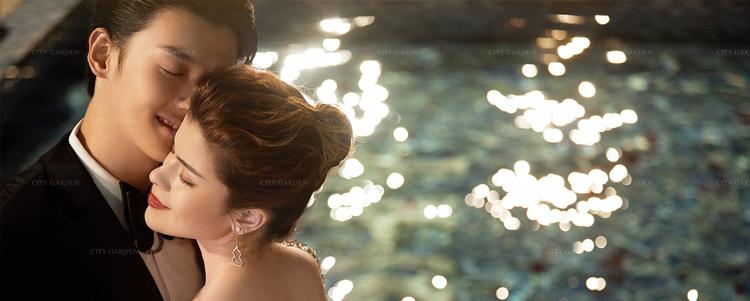 泳池婚纱照1.jpg
